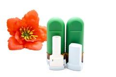 Ρινικός ψεκασμός με Inhaler άσθματος Στοκ εικόνες με δικαίωμα ελεύθερης χρήσης