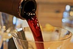 Ροή κρασιού Στοκ Εικόνες