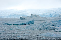 Ροή πάγου και ραγισμένος πάγος στοκ φωτογραφίες με δικαίωμα ελεύθερης χρήσης