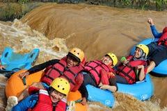 Ροή ποταμών διασκέδασης με τους σημαντήρες στοκ εικόνα