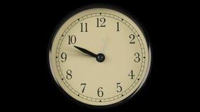 Ροή του χρόνου που καταδεικνύεται στο ρολόι με τα γρήγορα κινούμενα χέρια φιλμ μικρού μήκους