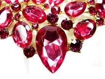 Ροδοκόκκινο κόσμημα διαμαντιών σαπφείρου κρυστάλλων πολύτιμων λίθων Στοκ Φωτογραφίες