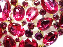 Ροδοκόκκινο κόσμημα διαμαντιών σαπφείρου κρυστάλλων πολύτιμων λίθων Στοκ Εικόνες