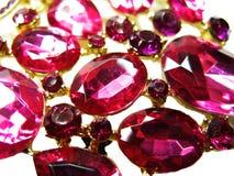 Ροδοκόκκινο κόσμημα διαμαντιών σαπφείρου κρυστάλλων πολύτιμων λίθων Στοκ εικόνα με δικαίωμα ελεύθερης χρήσης