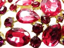 Ροδοκόκκινο κόσμημα διαμαντιών σαπφείρου κρυστάλλων πολύτιμων λίθων Στοκ εικόνες με δικαίωμα ελεύθερης χρήσης