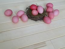 ροζ αυγών Πάσχας Πάσχα Σκιές κρητιδογραφιών ρόδινες σκιές Ρόδινη ανασκόπηση Στοκ εικόνα με δικαίωμα ελεύθερης χρήσης