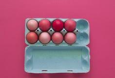 ροζ αυγών Πάσχας Πάσχα Σκιές κρητιδογραφιών ρόδινες σκιές Ρόδινη ανασκόπηση Στοκ Φωτογραφία