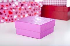 ροζ δώρων κιβωτίων Στοκ εικόνα με δικαίωμα ελεύθερης χρήσης