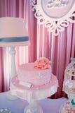 Ροζ κέικ γενεθλίων Στοκ Εικόνα
