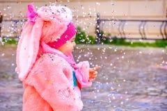 Ροζ κοστουμιών λαγουδάκι μωρών καρναβαλιού κομφετί Στοκ Φωτογραφίες