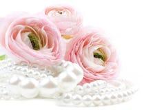 ροζ μαργαριταριών λουλουδιών χαντρών Στοκ φωτογραφία με δικαίωμα ελεύθερης χρήσης