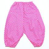 Ροζ με τα άσπρα εσώρουχα μωρών σχεδίων σημείων Στοκ Εικόνα