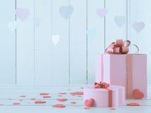 Ροζ παρόν με τις καρδιές Στοκ Εικόνες