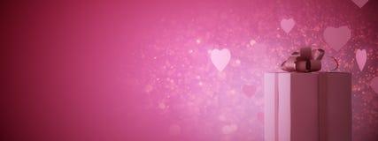 Ροζ παρόν με τις καρδιές Στοκ φωτογραφίες με δικαίωμα ελεύθερης χρήσης