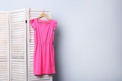 ροζ φορεμάτων στοκ εικόνες