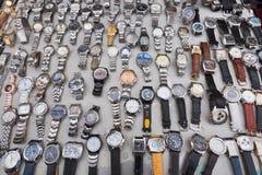 Ρολόγια από δεύτερο χέρι για την πώληση παζαριών Στοκ Εικόνα