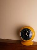 ρολόι κίτρινο Στοκ εικόνα με δικαίωμα ελεύθερης χρήσης