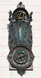 ρολόι που αποτυπώνεται σε ανάγλυφο Στοκ Φωτογραφία