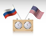 Ρολόι σκακιού με τις σημαίες Στοκ Εικόνες