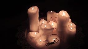 Ρομαντικά και όμορφα κεριά απόθεμα βίντεο