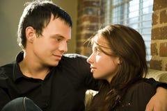 ρομαντικές νεολαίες ζευγών στοκ εικόνα