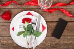 Ρομαντική έννοια γευμάτων Ημέρα βαλεντίνων ή υπόβαθρο προτάσεων Στοκ φωτογραφία με δικαίωμα ελεύθερης χρήσης