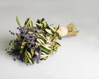 Ρομαντική ανθοδέσμη Lavender των λουλουδιών και των φύλλων ευκαλύπτων στο αναδρομικό ύφος Στοκ Φωτογραφίες