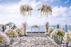 Ρομαντική γαμήλια τελετή στοκ φωτογραφία με δικαίωμα ελεύθερης χρήσης