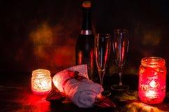 Ρομαντική ρύθμιση SPA για την ημέρα βαλεντίνων στοκ εικόνα