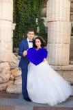 Ρομαντική φωτογραφία του όμορφου ζεύγους στο άσπρο υπόβαθρο Στοκ Εικόνα