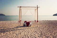 Ρομαντικός πίνακας γευμάτων στην παραλία Στοκ Εικόνα