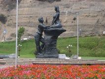Ρομαντικό άγαλμα στην ακτή σε Chorrillos, Λίμα Στοκ φωτογραφίες με δικαίωμα ελεύθερης χρήσης