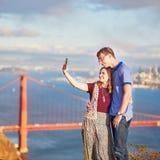 Ρομαντικό αγαπώντας ζεύγος που κάνει selfie στο Σαν Φρανσίσκο, Καλιφόρνια, ΗΠΑ Στοκ φωτογραφία με δικαίωμα ελεύθερης χρήσης