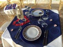 Ρομαντικό γεύμα έξω στοκ εικόνες με δικαίωμα ελεύθερης χρήσης