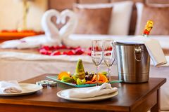 Ρομαντικό γεύμα για τους εραστές Στοκ Εικόνα