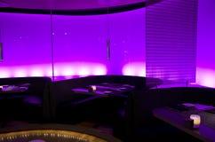 Ρομαντικό εστιατόριο φραγμών Στοκ φωτογραφία με δικαίωμα ελεύθερης χρήσης