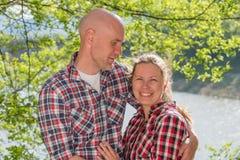 Ρομαντικό ζεύγος ερωτευμένο Στοκ Φωτογραφίες