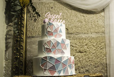Ρομαντικό κέικ κρέμας Στοκ φωτογραφία με δικαίωμα ελεύθερης χρήσης