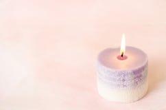Ρομαντικό υπόβαθρο - κερί αρώματος με το εκλεκτής ποιότητας χρώμα στοκ εικόνες με δικαίωμα ελεύθερης χρήσης