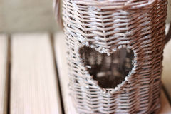 Ρομαντικό φωτεινό φανάρι φιαγμένο από ινδικό κάλαμο Στοκ φωτογραφία με δικαίωμα ελεύθερης χρήσης
