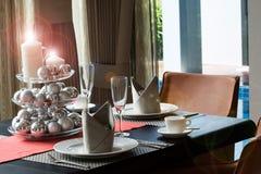 Ρομαντικό dinning επιτραπέζιο σύνολο Στοκ φωτογραφίες με δικαίωμα ελεύθερης χρήσης
