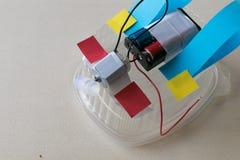 Ρομπότ από τα απορρίμματα, μια δραστηριότητα ΑΤΜΟΥ για τους σπουδαστές στοκ εικόνες με δικαίωμα ελεύθερης χρήσης