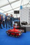 Ρομπότ με τον τηλεχειρισμό για EMERCOM της Ρωσίας Στοκ Εικόνες