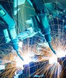 Ρομπότ συγκόλλησης Στοκ εικόνες με δικαίωμα ελεύθερης χρήσης