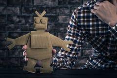 Ρομπότ φιαγμένο από έγγραφο Στοκ φωτογραφίες με δικαίωμα ελεύθερης χρήσης