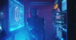 Ρομπότ Humanoid που λειτουργεί σε ένα γεμισμένο καπνός εργαστήριο απόθεμα βίντεο