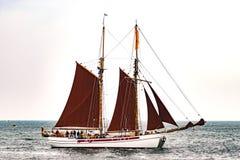$ροστόκ, Γερμανία - τον Αύγουστο του 2016: Πλέοντας σκάφος στη θάλασσα της Βαλτικής Στοκ Εικόνα