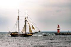 $ροστόκ, Γερμανία - τον Αύγουστο του 2016: Πλέοντας σκάφος Zuiderzee στη θάλασσα Στοκ Φωτογραφία