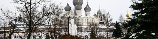 Ροστόφ ο μεγάλος, Ρωσία Η ορθόδοξη νύχτα υπόθεσης του ST καθεδρικών ναών υπόθεσης Cathedral Στοκ Φωτογραφία