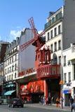 Ρουζ Moulin στο Παρίσι Στοκ φωτογραφίες με δικαίωμα ελεύθερης χρήσης
